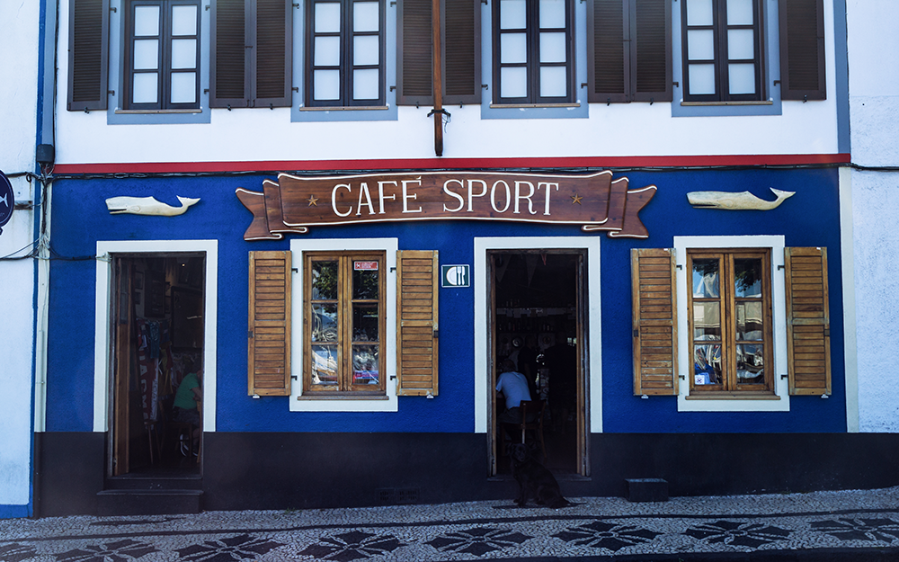 Peter's Cafe Sport